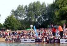 Kraichgau Triathlon - Zuschauerkulisse beim Schwimmen im Hardtsee (Foto: Foto: Hannes Blank)