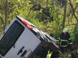 Die Feuerwehr sicherte den Transporter (Foto: Feuerwehr Bad Kreuznach)