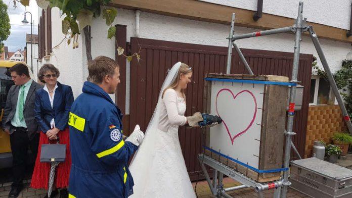 Neustadt Thw Feuerwehr Hochzeit Metropolnews Info
