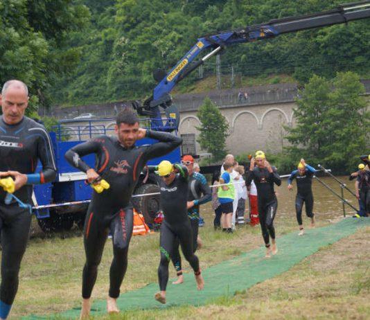Wechselzone Schwimmen-Rad beim Holzland Triathlon (Foto: Tamara Hautzinger)