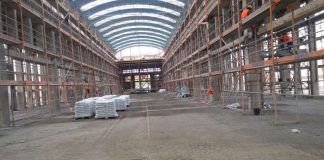 Die IBAG-Maschinenhalle wird derzeit von Grund auf saniert. (Foto: Stadtverwaltung Neustadt)