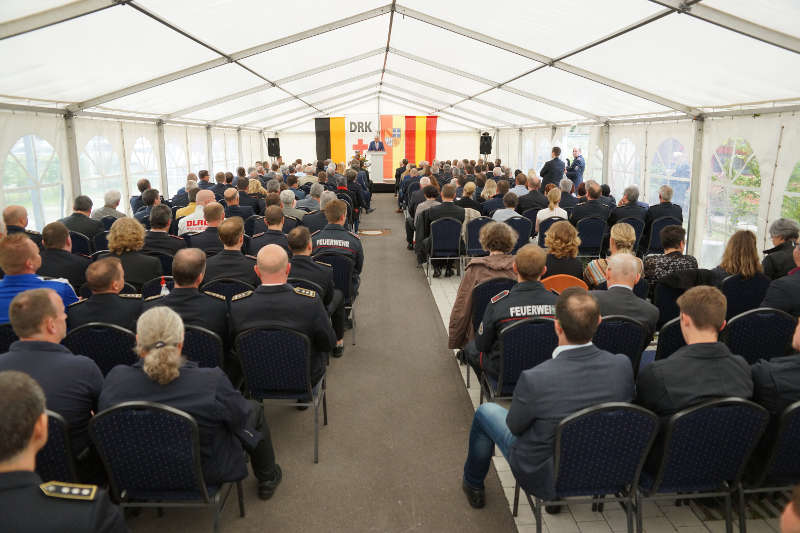 Minister Strobl bei seiner Rede im Festzelt (Foto: Holger Knecht)