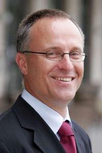 Prof. Dr. Schirmacher, Ärztlicher Direktor des Pathologischen Instituts, ist Sprecher des neuen transregionalen Sonderforschungsbereichs. (Foto: Universitätsklinikum Heidelberg)