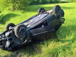 Weil sie zu schnell fuhr, verlor die junge Frau die Kontrolle über ihren PKW