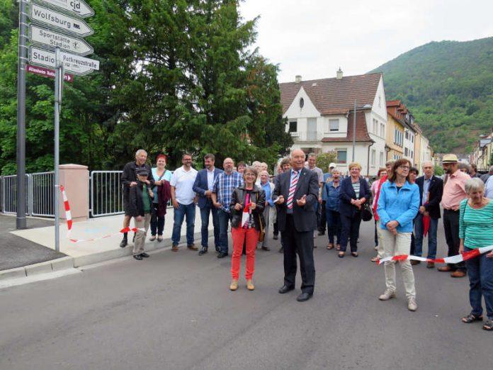 ie Rotkreuzbrücke ist nun offiziell für den Verkehr freigegeben. (Foto: Stadtverwaltung Neustadt)