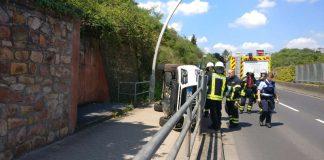 Verkehrsunfall in der Charles-de-Gaulle-Straße (Foto: Feuerwehr Bad Kreuznach)