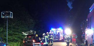 Beim Zusammenstoß von zwei PKW wurden vier Personen teilweise schwer verletzt. (Foto: Feuerwehr Wiesbaden)