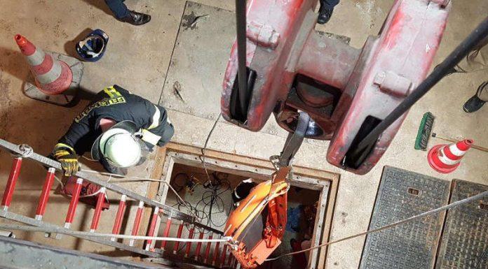 Die abgestürzte Person wurde von der Feuerwehr gerettet (Foto: Feuerwehr Ludwigshafen)