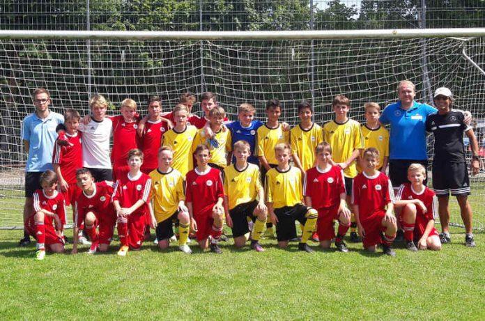 Finalisten DFB-Stützpunkt-Turnier (Foto: bfv)
