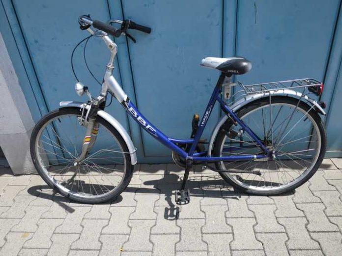 Zurückgelassenes Fahrrad