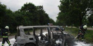 Der Van brannte völlig ab