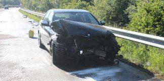 Nach Unfall beschädigter PKW