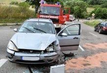 Der Ford Focus prallte dem Unfallverursacher in die Seite und wurde dabei im Frontbereich erheblich beschädigt.