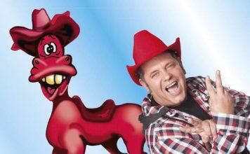 Markus Becker (r.) und das rote Pferd (Foto: Künstler)