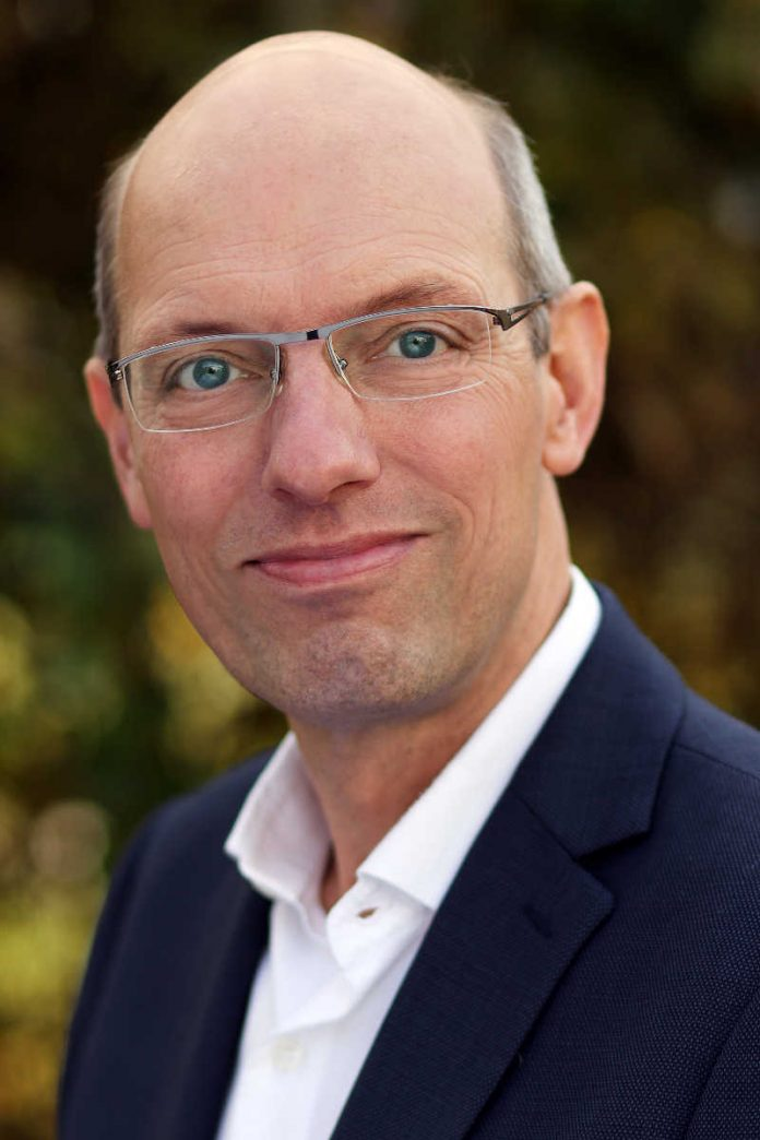 Professor Volker Lingnau