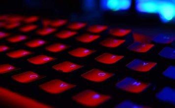 Die Behörden greifen inzwischen hart durch, wenn es um Kinderpornografie und illegale Inhalte im Netz geht