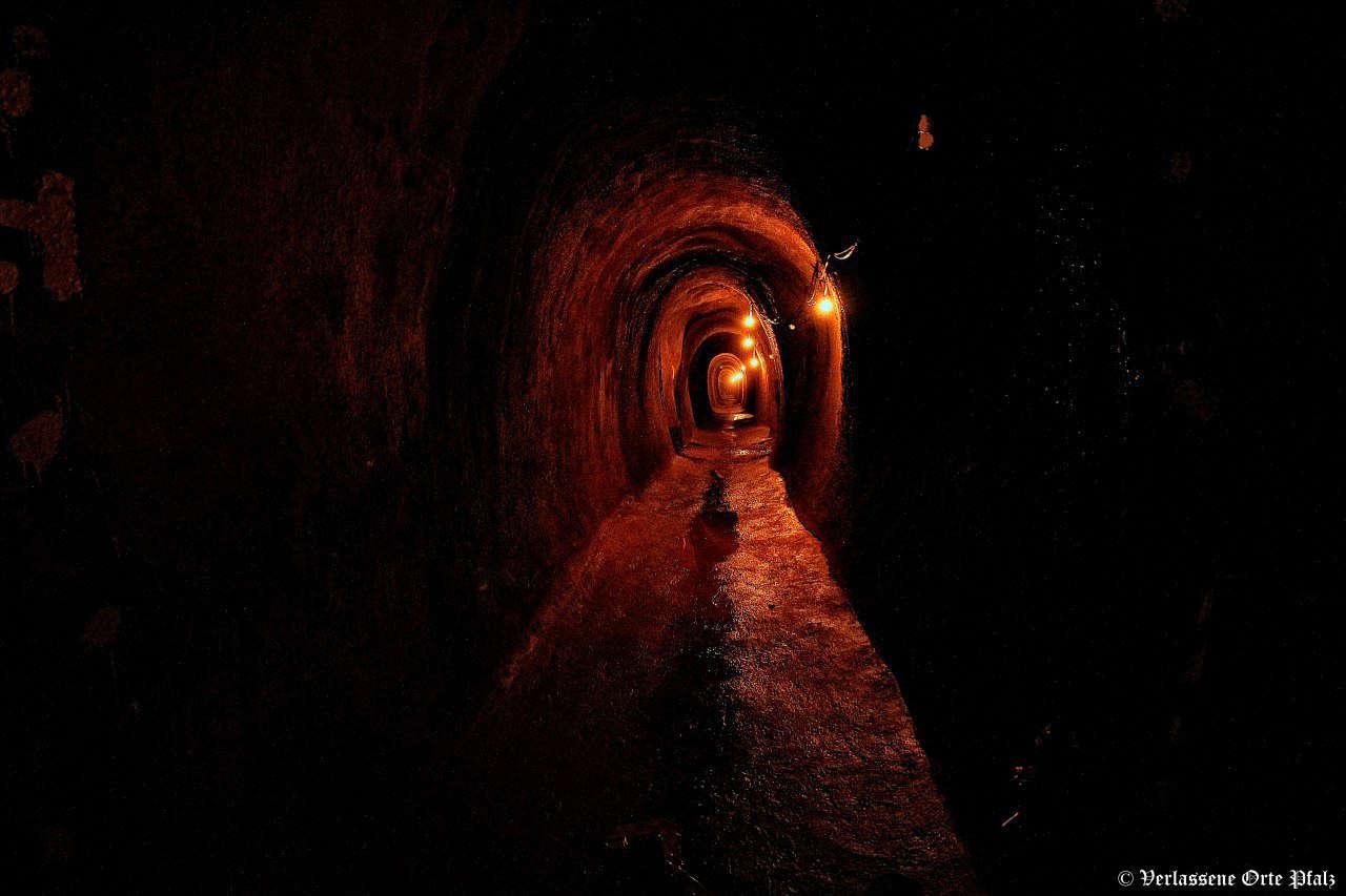 Stollen in Bunker bei St. Martin (Foto: Verlassene Orte Pfalz)