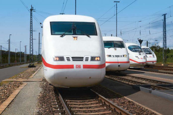 4 Generationen von ICE-Zügen (Foto: Deutsche Bahn AG / Kai Michael Neuhold)
