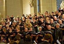 Ein musikalisches Erlebnis der Extraklasse verspricht das Abschiedskonzert des Landkreis-Projektchores in der Pfarrkirche St. Remigius. (Archivbild, Foto: Peter Ebner, Gondelsheim)