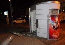 Bei der Zerstörung entstand hoher Sachschaden - Die Polizei sucht Zeugen der Tat