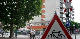 Symbolbild, Fahrrad, Achtung, Radweg © Holger Knecht)