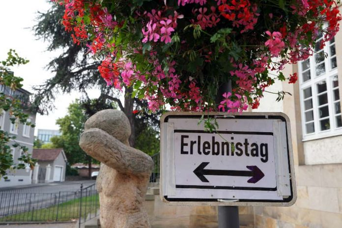 Hinweisschild (Foto: Holger Knecht)