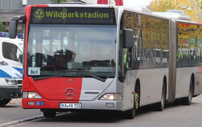 Bequem und umweltfreundlich zum Stadion geht es für KSC-Fans mit den Shuttlebussen der Verkehrsbetriebe Karlsruhe (Foto: VBK)