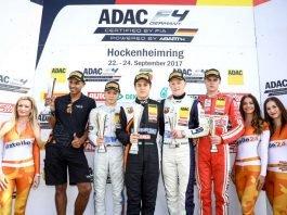 Jubel auf dem Siegerpodest bei Lirim Zendeli, Felipe Drugovich, Fabio Scherer und Rookie Mick Wishofer (v.l.) (Foto: Gruppe C GmbH)