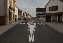 Die Fahrbahnbreite ist für den fließenden Verkehr ausreichend (Foto: Holger Knecht)