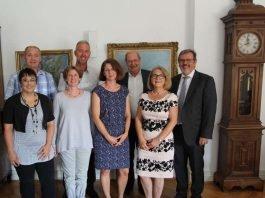 Gruppenbild im Dienstzimmer des Oberbürgermeisters (Foto: Stadtverwaltung Speyer)