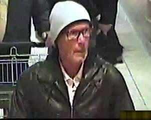 Wer kennt diesen Mann? Hinweise umgehend an die nächste Polizeidienststelle oder LKA RLP / LKA BW