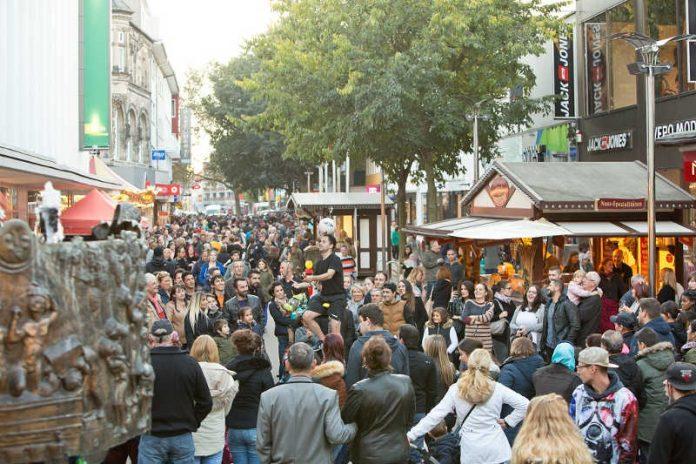 Erlebnis-Shopping hoch vier gibt es am Sonntag, 29. Oktober in der Wormser Innenstadt (Foto: Bernward Bertram)
