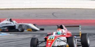 Am Ziel: Juri Vips ist Meister der ADAC Formel 4 2017 (Foto: Gruppe C GmbH)