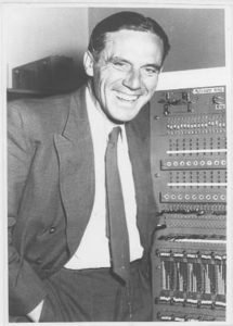 Karl Steinbuch 1958 bei seiner Verabschiedung von der Firma Standard Elektrik Lorenz. (Foto: KIT-Archiv)