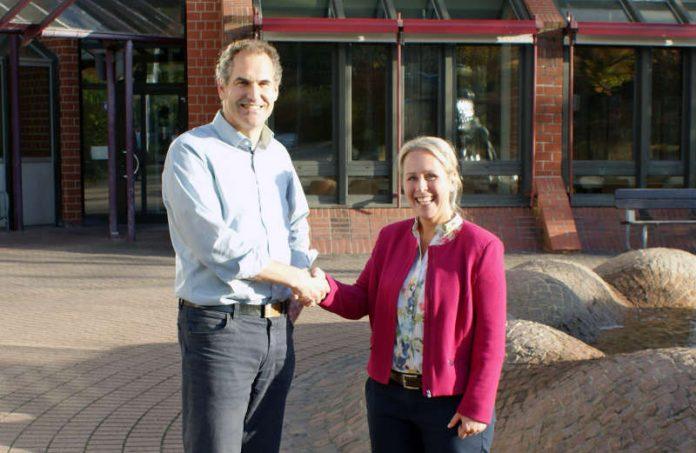 Setzen auf gute Zusammenarbeit: Landrätin Dr. Susanne Ganster und Landrat Dietmar Seefeldt. (Kreisverwaltung Südwestpfalz)