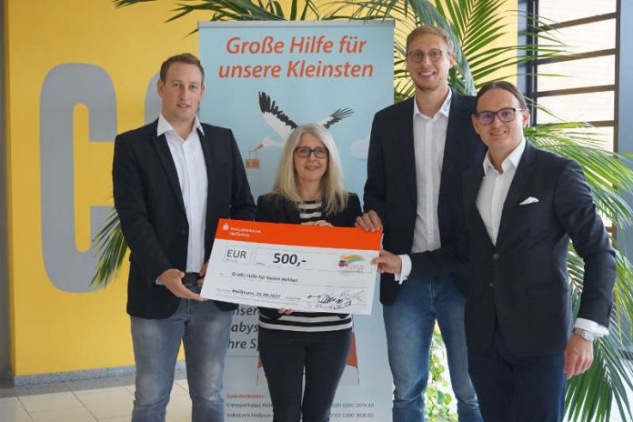 SRVgg Sinsheim Spendenübergabe, v.l. Stefan Werner, Kathrin Heller, Sebastian Reichert, Olaf Hautzinger (Foto: bfv)
