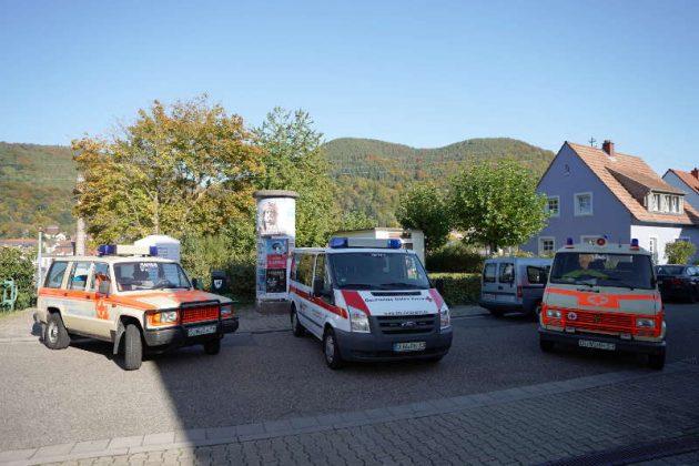 Einsatzfahrzeuge (Foto: Holger Knecht)