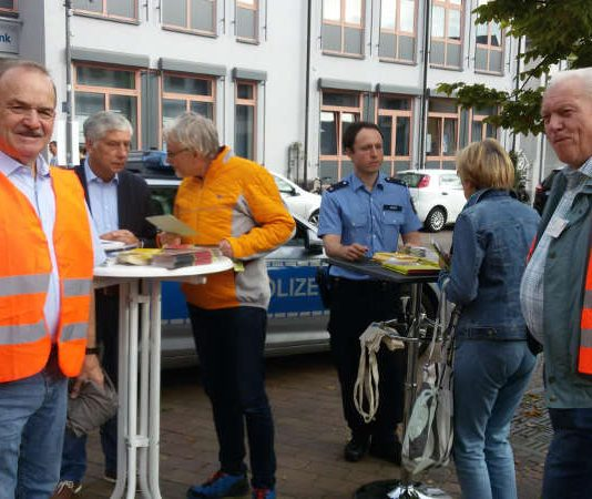 Diebstahl-Präventions-Aktion in Schifferstadt am 29.09.2017 (Foto: Stadtverwaltung Schifferstadt)