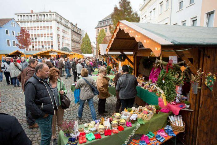 Herbstmarkt am Mantelsonntag_2015 (Foto: Bernward_Bertram)