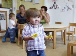 Kleinkind in der U3-Kinderbetreuung (Foto: Wolfgang Uhlig)