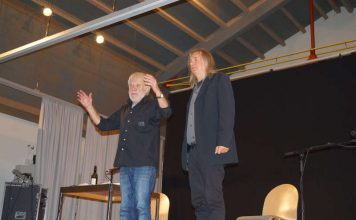 """Harald Hurst und Volker Schäfer begeistern bei """"RhEINSTKultur"""" in der Festhalle in Neuburgweier ihr Publikum. (Foto: Stadt Rheinstetten)"""
