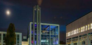 Kesselhaus bei Nacht (Foto: TH Bingen)