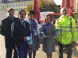 Prominente sammelten in Bruchsal für den Volksbund (Foto: Volker Schütze)