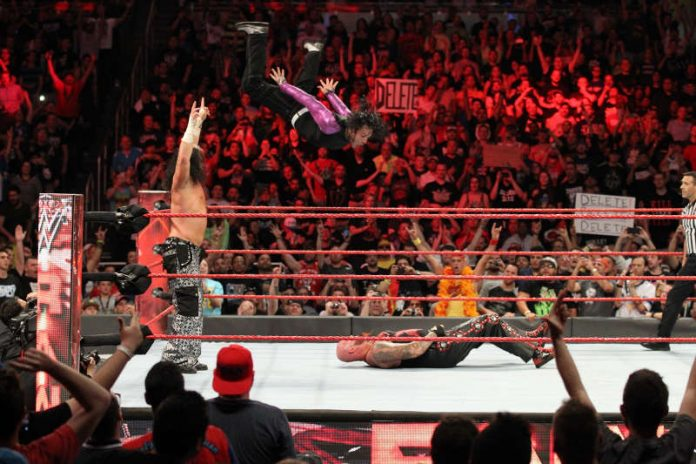 WWE LIVE (Foto: RAW)