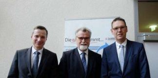 v.l.: Markus Gietzen, Justizminister Herbert Mertin , Harald Jenet (Foto: Ministerium der Justiz)