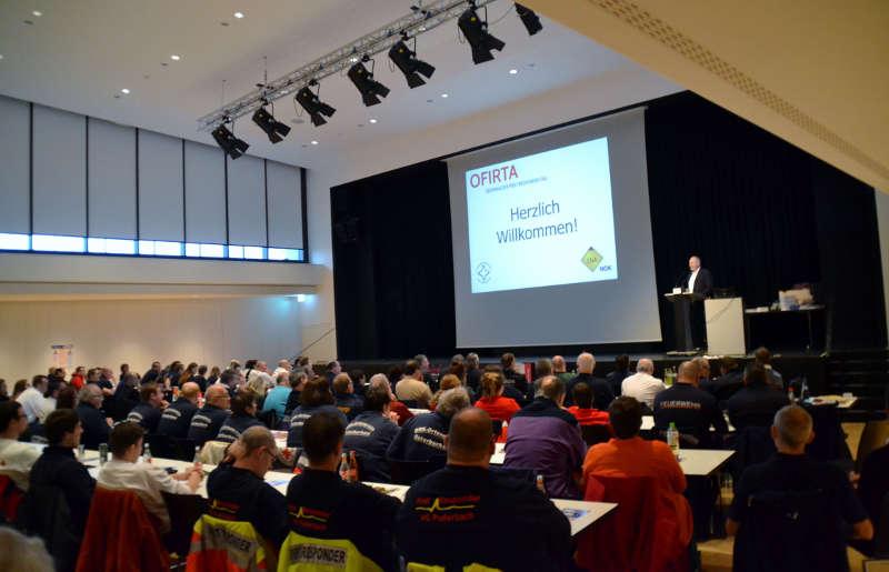 Die Stadthalle Buchen war beim OFIRTA 2017 mit über 330 Einsatzkräften sehr gut gefüllt. (Foto: Michael Genzwürker)