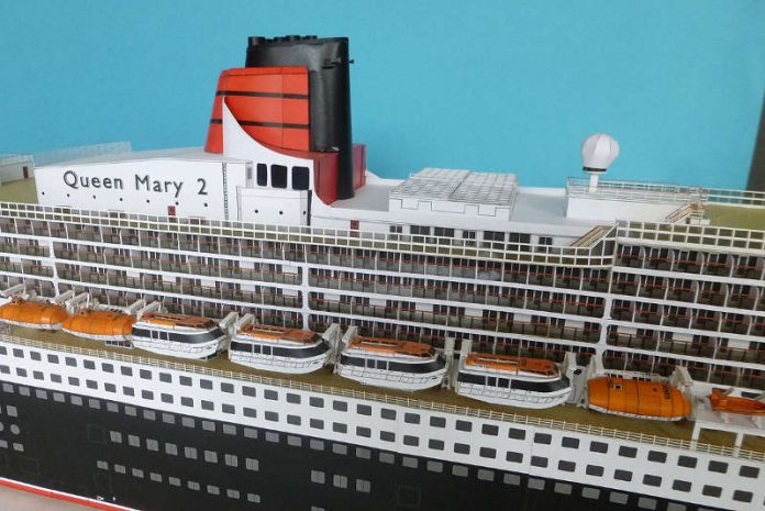 Queen Mary Modell