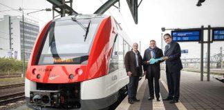 Vorstellung RMV-Fahrplanwechsel mit Matthias Altenhein (DADINA), Knut Ringat (RMV) und Jochen Auler (VIAS) (Foto: RMV / Christof Mattes)