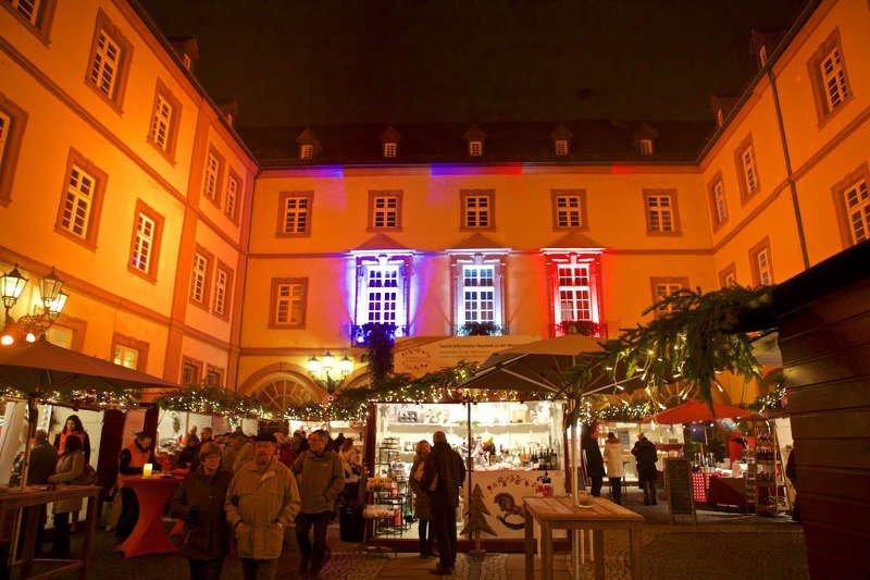 Weihnachtsmarkt der Kunigunde in den historischen Höfen in Neustadt an der Weinstraße (Foto: gliglag.de)