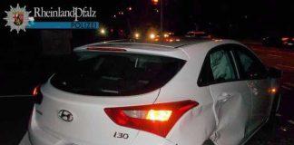 Der Hyundai wurde auf der Beifahrerseite stark beschädigt.